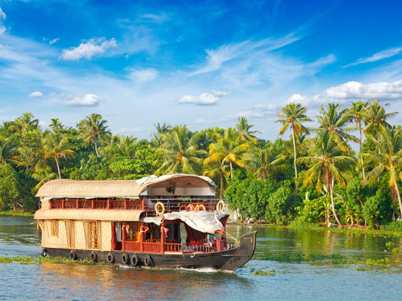 kerala backaters houseboat tour